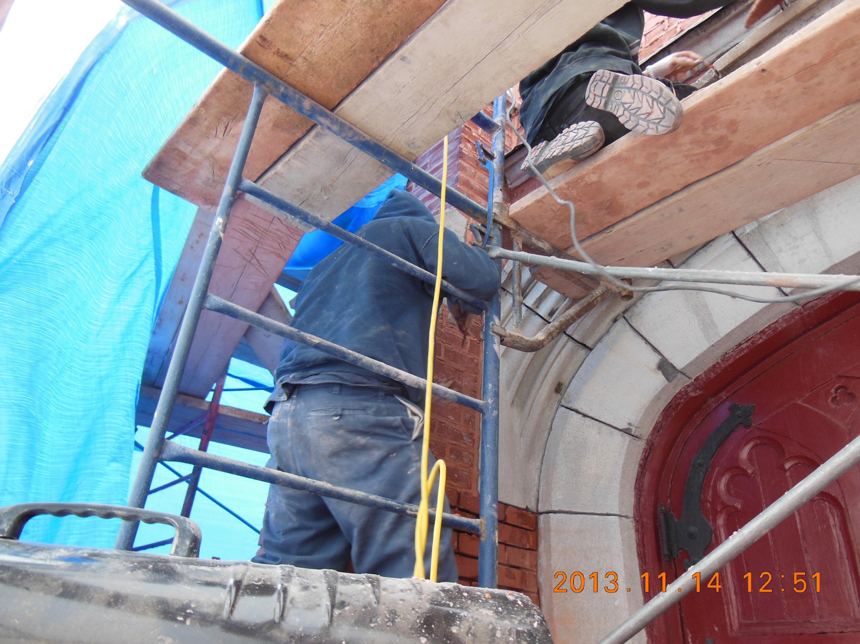 Restauration de maçonnerie en cours
